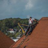 Comment bien protéger la toiture de sa maison?