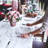Les 5 étapes pour dresser une table dans les règles de l'art